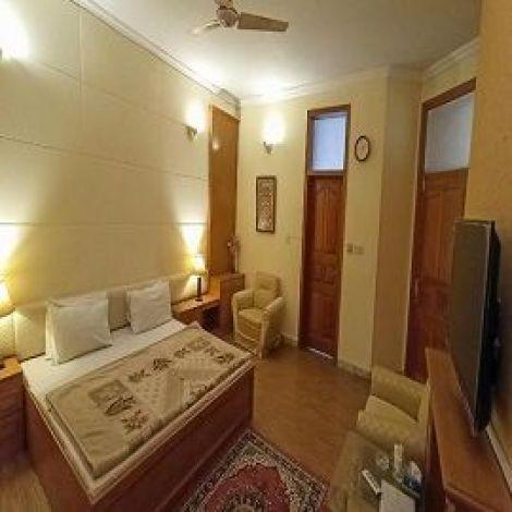 Delano Guest House