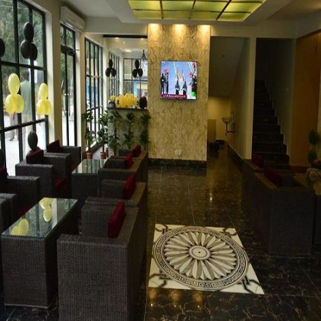 La Orilla Hotel